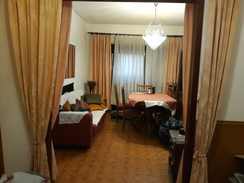 半独立式的房子 5个房间
