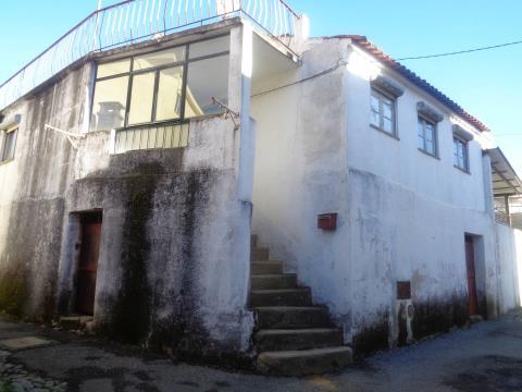 Moradia p/ Reabilitar - Vales do Rio