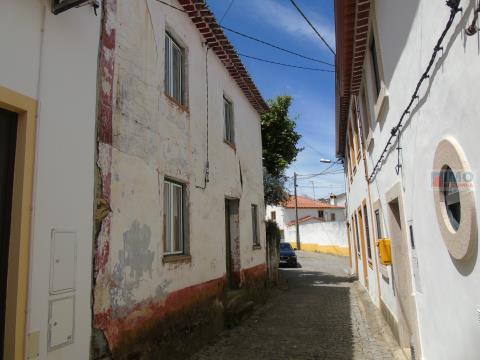 Moradia V2  - Cebolais de Baixo - 15 min de Castelo Branco