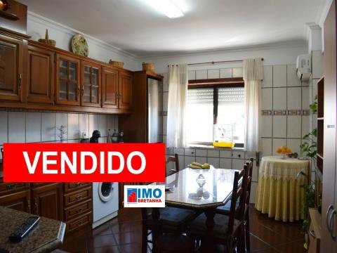 VENDIDO - T3 Canhoso c/ Garagem Privativa - 5 minutos da Covilhã