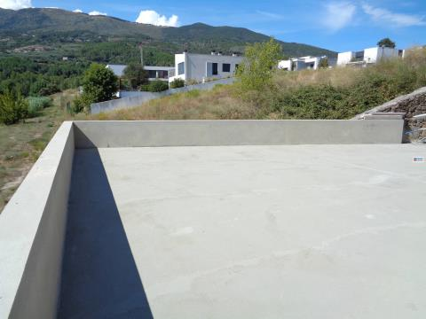 Andar Moradia T3 c/garagem e Terraço - Teixoso