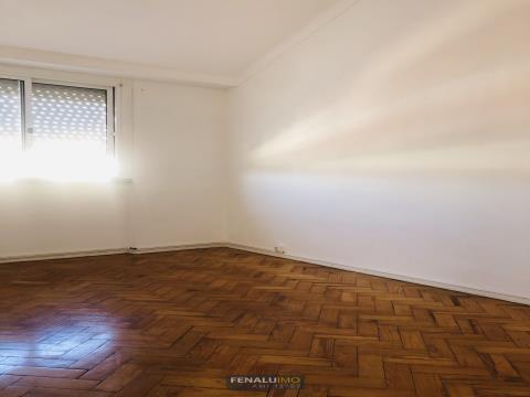 Apartamento T1 para arrendamento, Benfica Lisboa