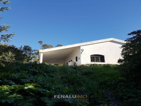 Quinta com vista e piscina na fronteira do parque Natural da Serra da Arrábida