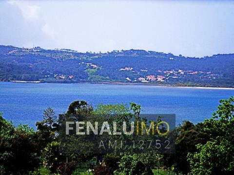 Land with Approved Project overlooking the lagoon and sea, close to the beach and golf.