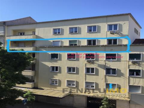 Lisbon single-floor apartment