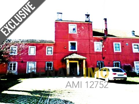 Quinta a 20 minutos de Lisboa, casa principal, edifício de empregados, restaurante, cavalariças e an