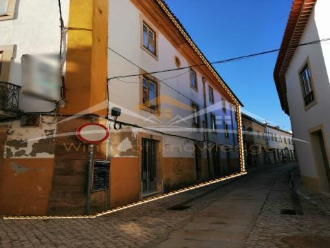Edificio en la zona histórica de Tomar