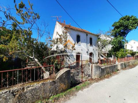 House to rehabilitate near Tomar and Ferreira do Zezere